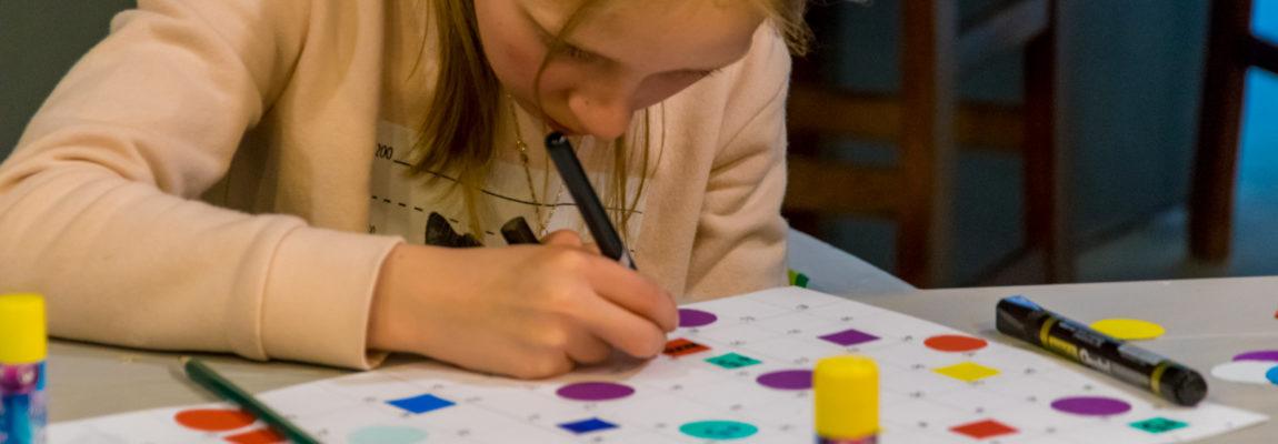 [FOTORELACJA] Zabawki z niczego: gry planszowe – Akademia Wyobraźni